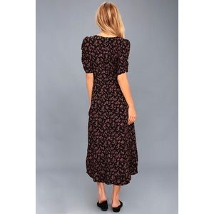 Lulu's Dresses - 🆕 Prairie Serenade Black Floral Midi Dress